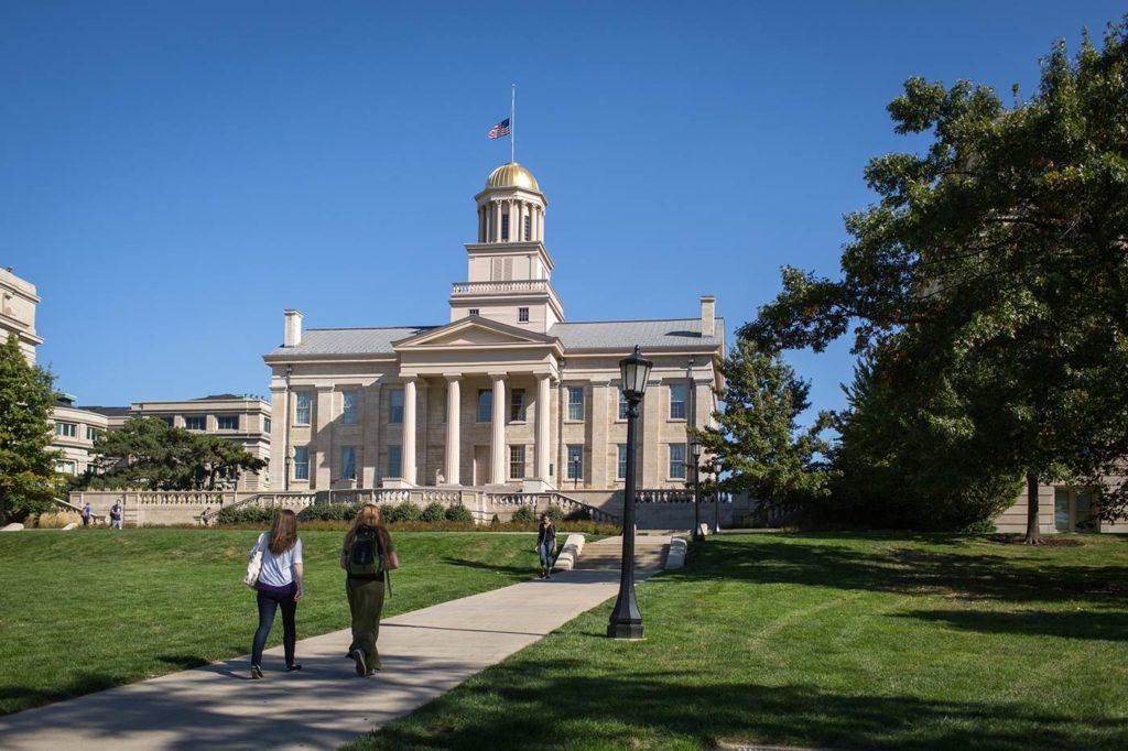 Photo of the old Iowa State Capitol in Iowa City, Iowa